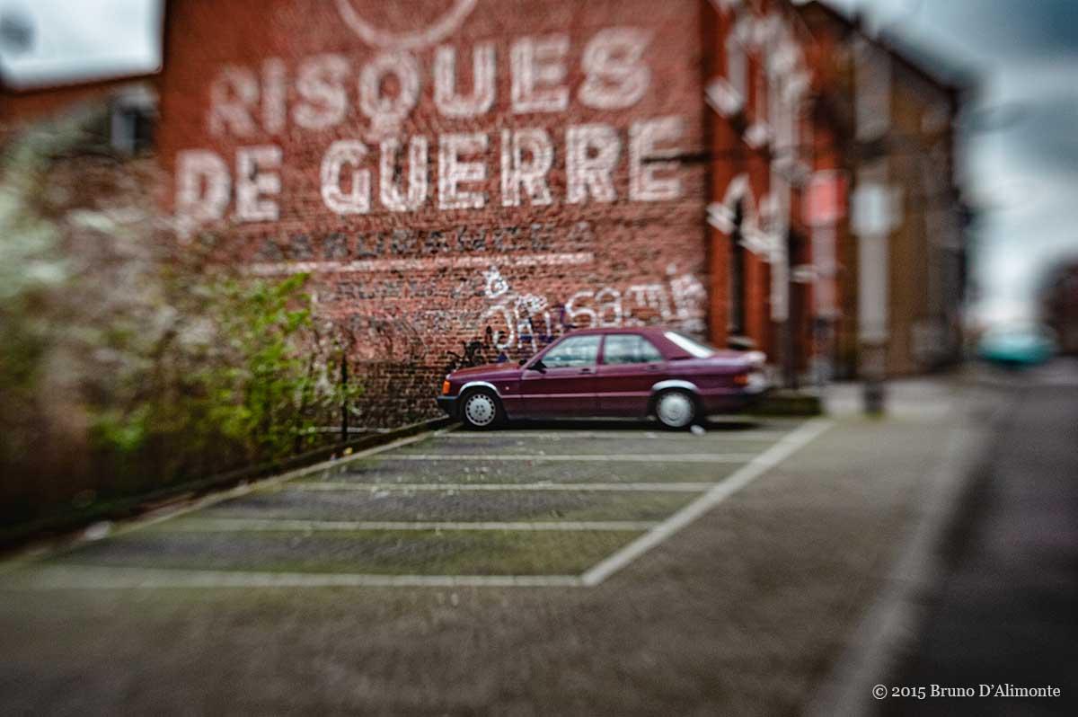 Bruxelles, photographie artistique d'une publicité peinte sur le pignon du n° 44 de la rue Walckiers date du début de la seconde guerre mondiale, juste après l'invasion allemande. © 2015 Bruno D'Alimonte