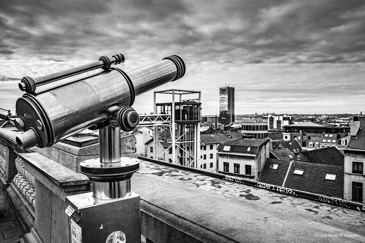 Perspectives, panorama depuis l'esplanade du palais de justice de bruxelles avec vue sur l'ascenseur des marolles et la tour du midi © 2020 Bruno D'Alimonte